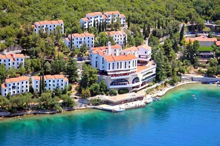 25-9546-Chorvátsko-Kraljevica-Turistický-komplex-Uvala-Scott