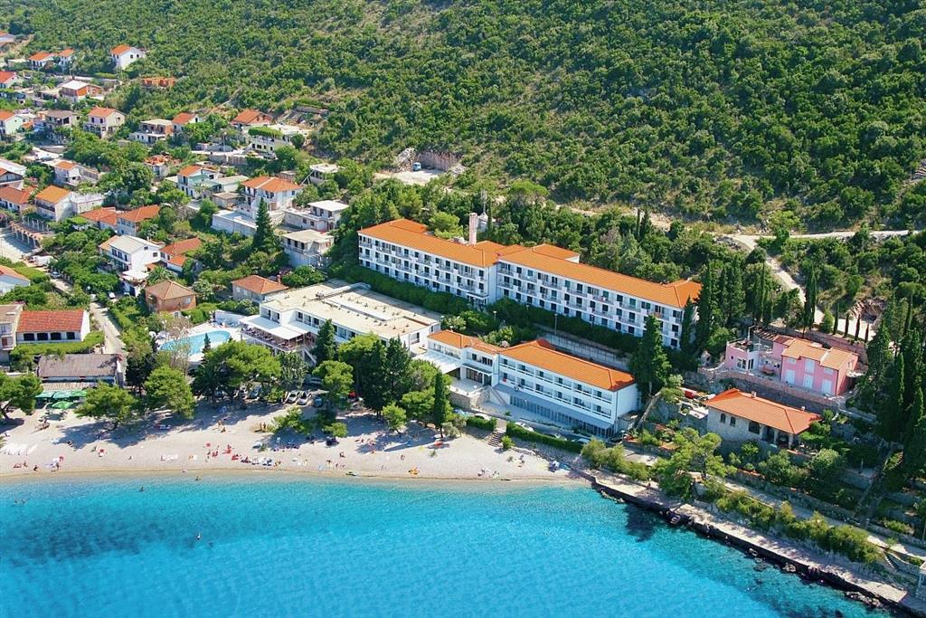 25-9944-Chorvátsko-Pelješac-Trpanj-Hotel-Faraon