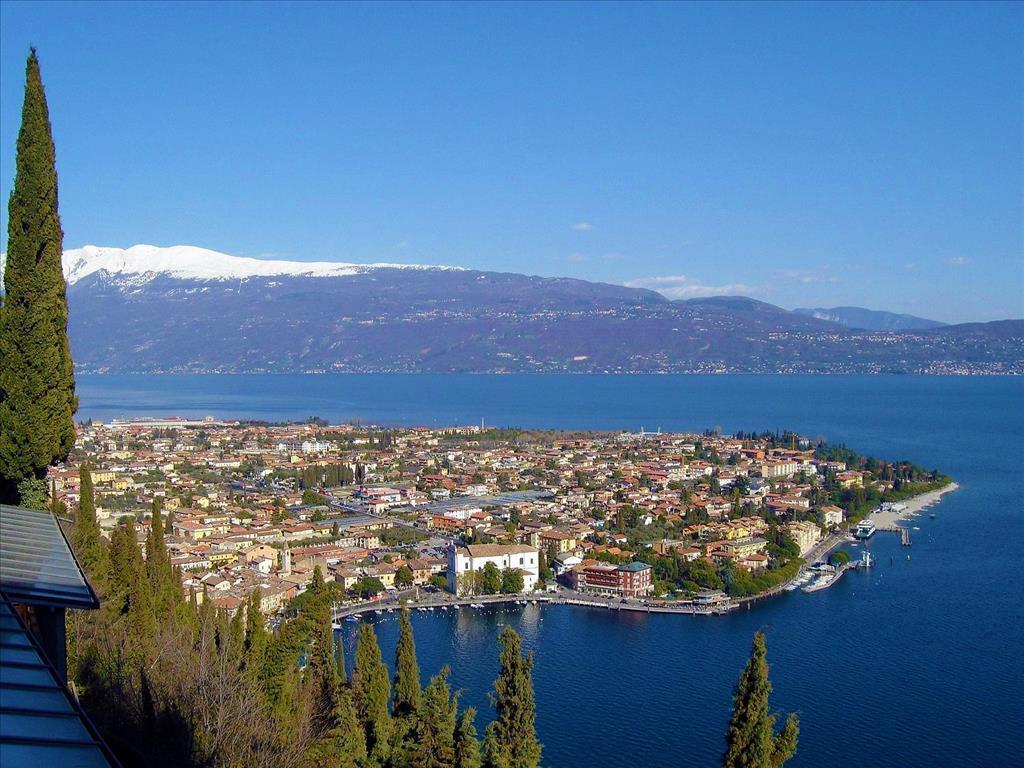 25-10149-Taliansko-Toscolano-Maderno-Hotel-Villa-Angela