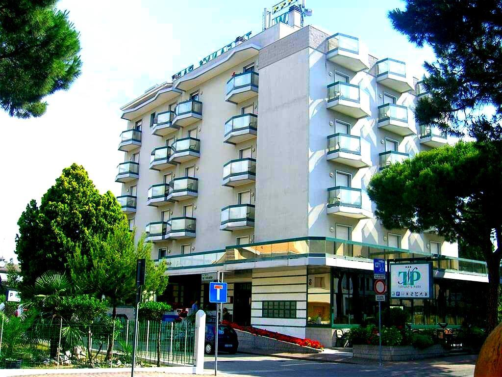 25-10490-Taliansko-Lido-di-Jesolo-Hotel-New-Tiffanys-Park