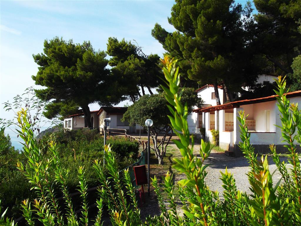 25-9619-Taliansko-Caprioli-Villaggio-Costa-del-Mito-bungalovy