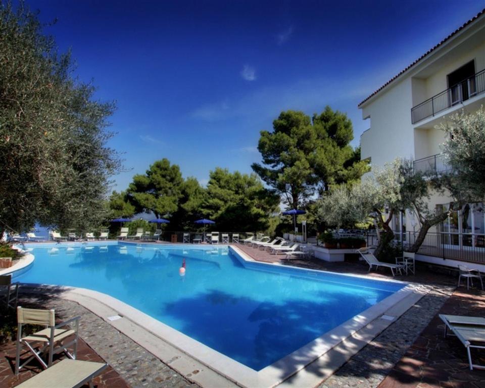 25-9855-Taliansko-Cirella-Hotel-Guardacosta