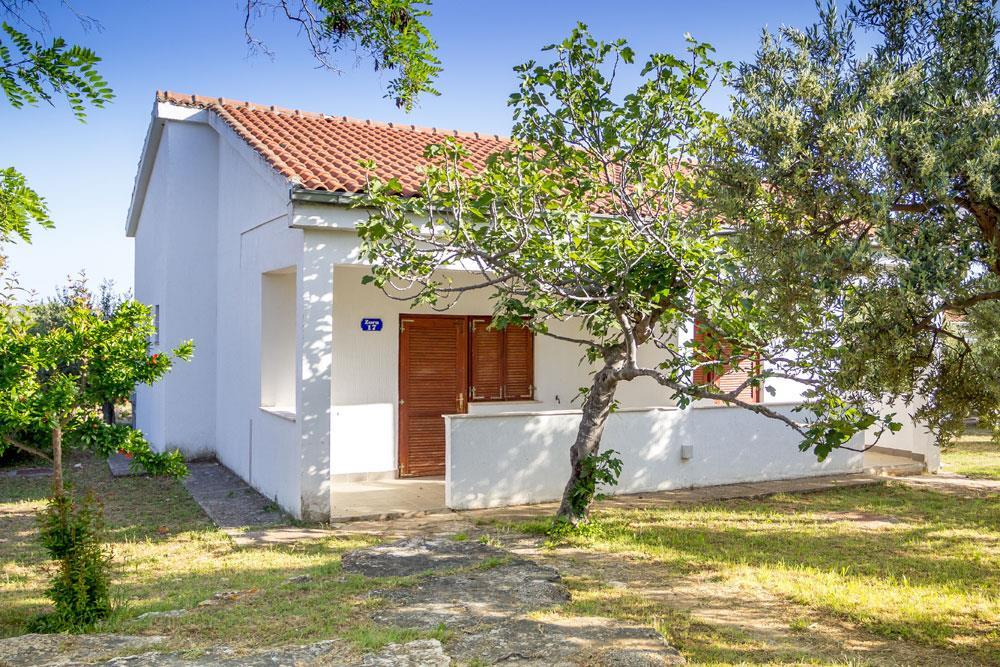 25-9912-Chorvátsko-Pirovac-Hotel-Miran-apartmány