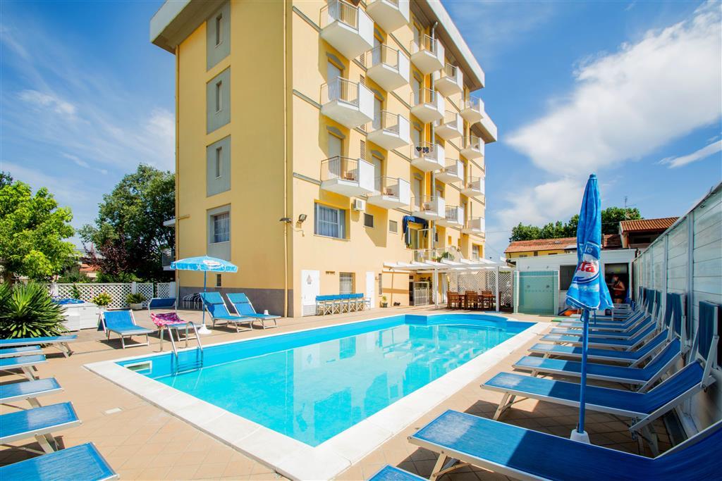 25-9938-Taliansko-Viserbella-di-Rimini-Hotel-Viking