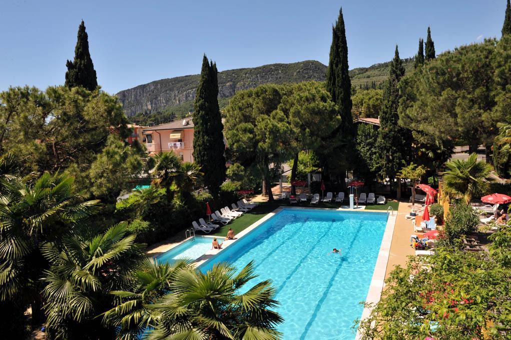 25-10242-Taliansko-Garda-Hotel-Palme-Royal-Suite-40516