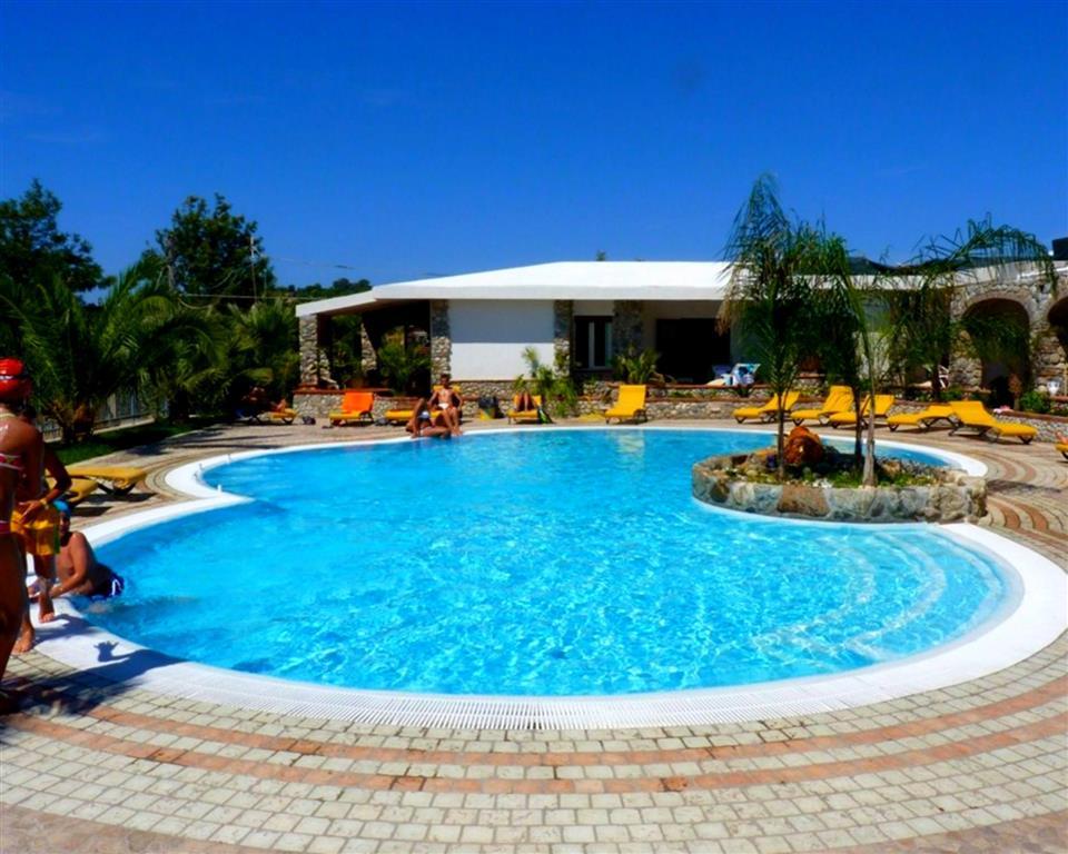 25-10246-Taliansko-Ricadi-Hotel-Villaggio-Eden-apartmány-22520