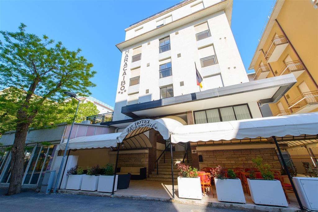 25-10252-Taliansko-Rivazzura-di-Rimini-Hotel-Maracaibo-75212
