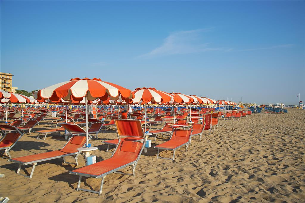 25-10264-Taliansko-Rimini-Hotel-La-Torretta-Bramante-70877