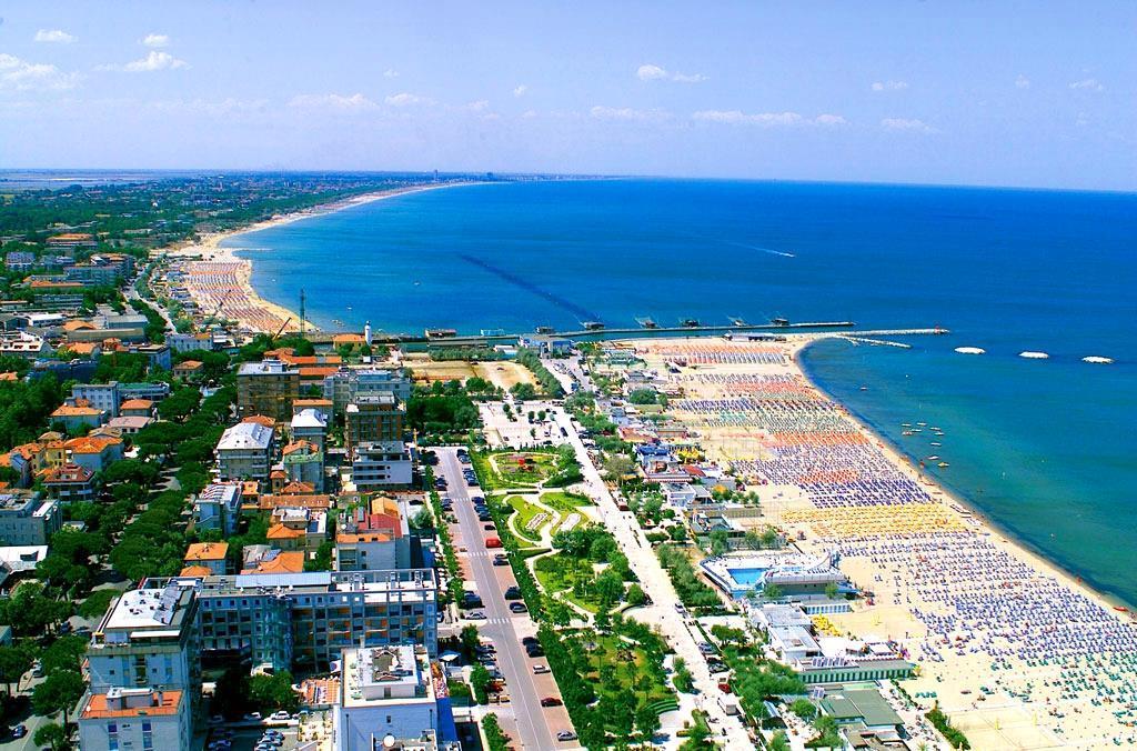 25-10293-Taliansko-Cervia-Hotel-Lungomare-75090