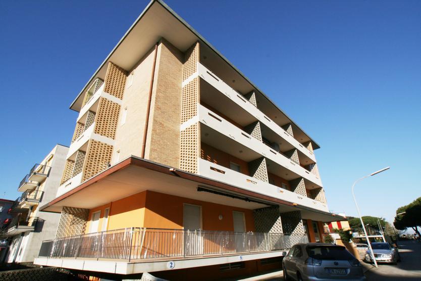 25-9606-Taliansko-Lido-di-Jesolo-Apartmánový-dom-Houston-51011
