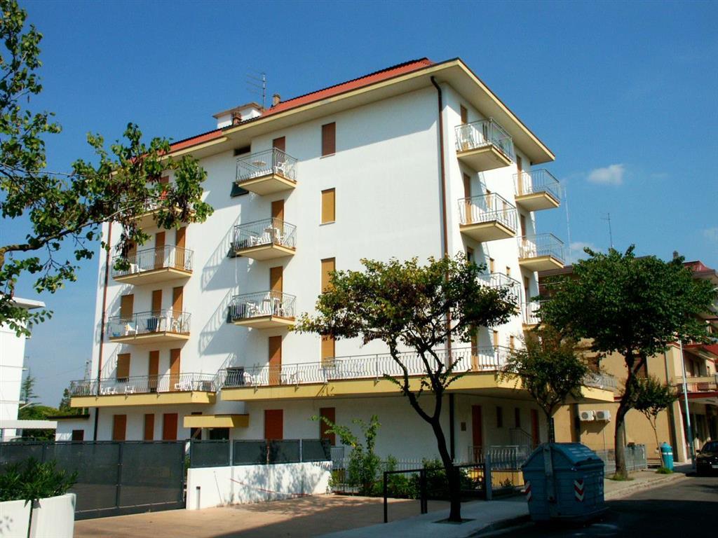25-9617-Taliansko-Lido-di-Jesolo-Apartmánový-dom-Michelangelo-3490