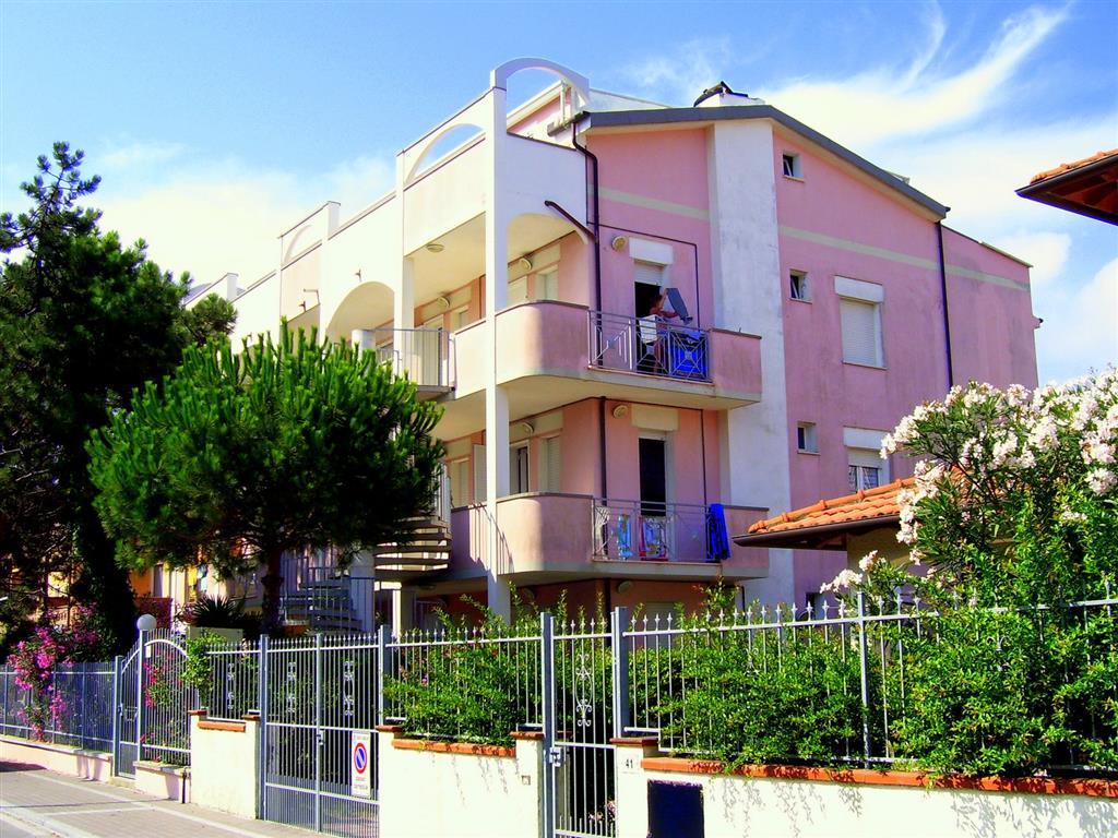 25-9955-Taliansko-Lido-Estensi-Rezidencia-Doria-Estensi-67700