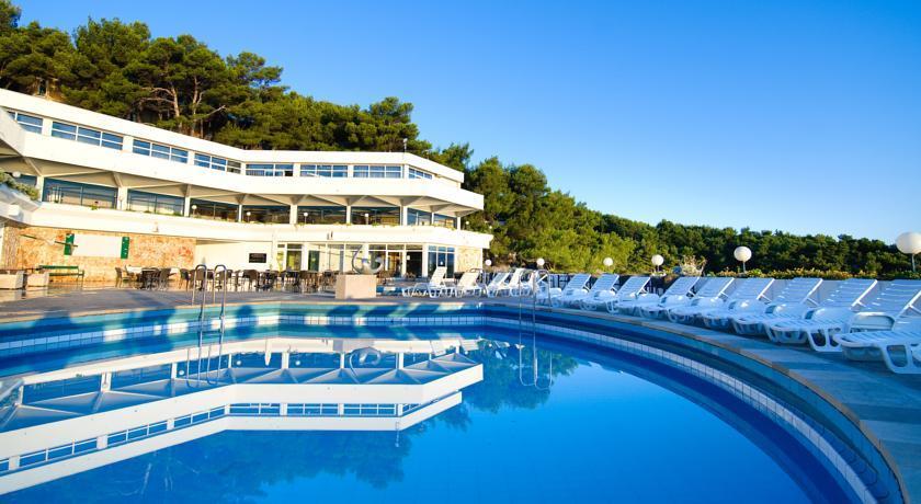 25-9993-Chorvátsko-ostrov-Hvar-Jelsa-Hotel-Fontana-Adriatiq-rezort-22270