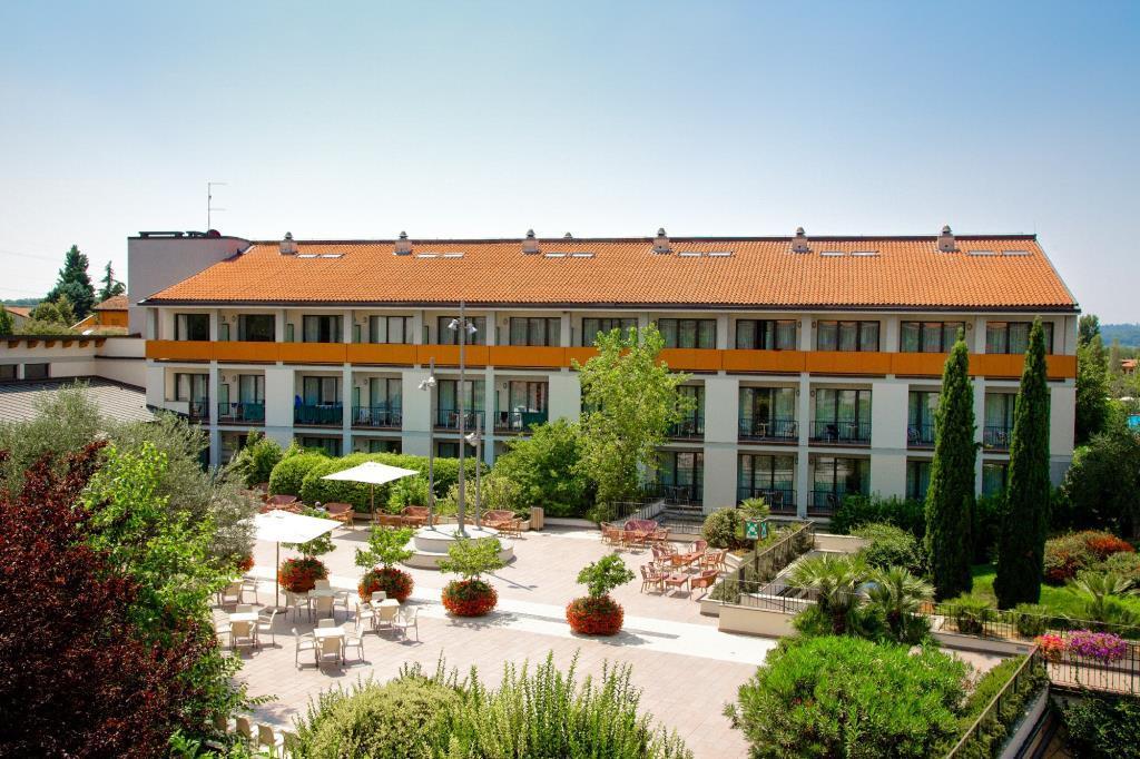 28-11049-Taliansko-Peschiera-del-Garda-Hotel-Parc-Peschiera-82998