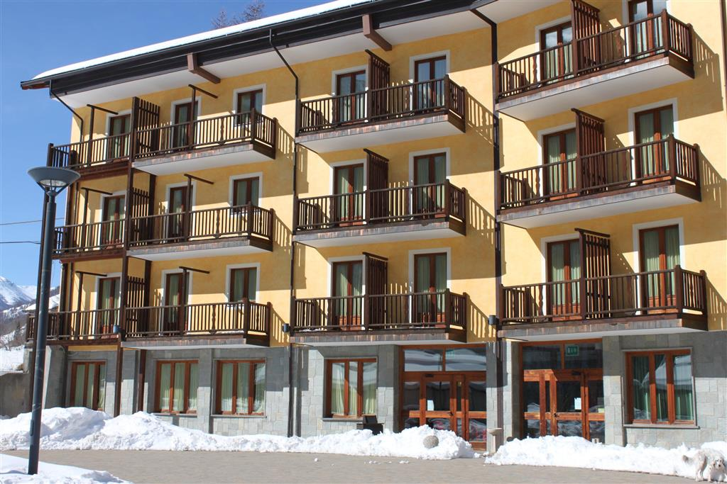 28-11130-Taliansko-Sestriere-Hotel-Casalpina-Don-Barra-84231