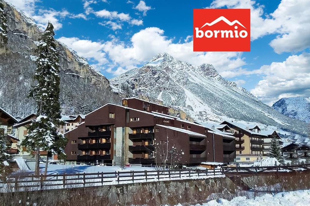 28-11190-Taliansko-Isolaccia-Valdidentro-Hotel-National-Park-–-6denný-lyžiarsky-balíček-so-skipasom-a-dopravou-v-cene-85924