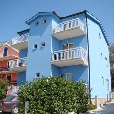 Villa Rade***