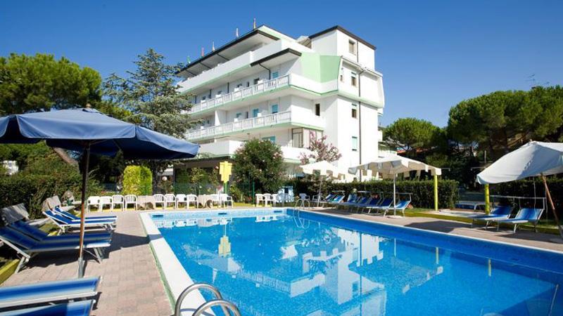 32-11362-Taliansko-Lignano-Hotel-Old-River-67285