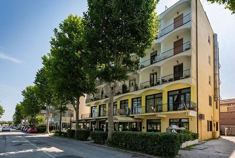 32-11364-Taliansko-Cesenatico-Hotel-Le-Vele-87252