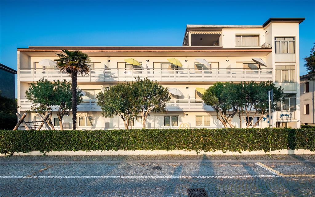 32-11375-Taliansko-Lignano-Villa-Yachting-zvýhodnené-termíny-s-dopravou-v-cene-69187