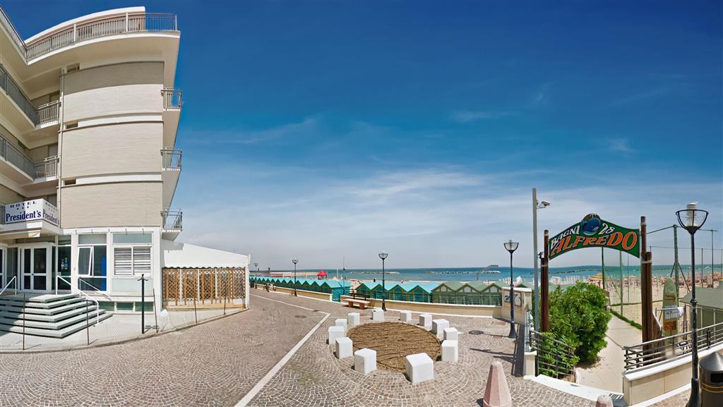32-11477-Taliansko-Pesaro-Hotel-President-Pesaro-88019