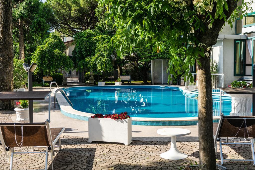 32-11487-Taliansko-Lido-di-Jesolo-Hotel-New-Tiffanys-Park-88003