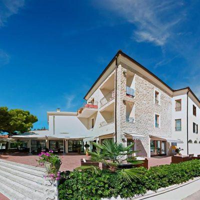 Hotel Nikola***