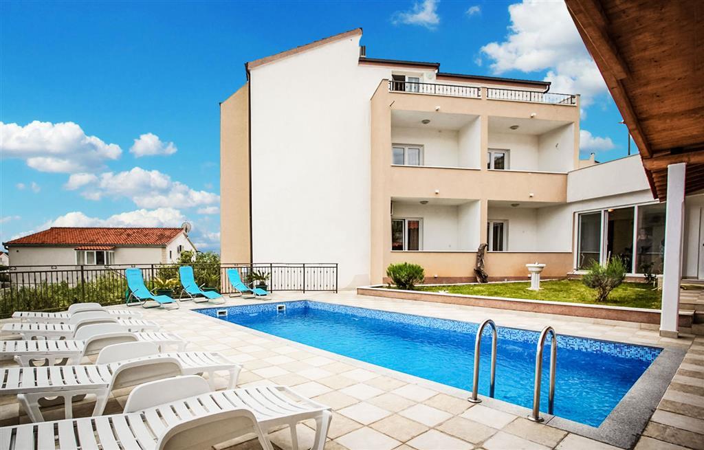 32-11614-Chorvátsko-Seget-Vranjica-Penzión-Villa-Jelavić-s-bazénom-76709