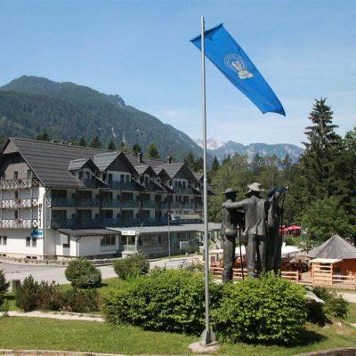 Hotel Jezero – Zvýhodnený Balíček (jar/jeseň)****