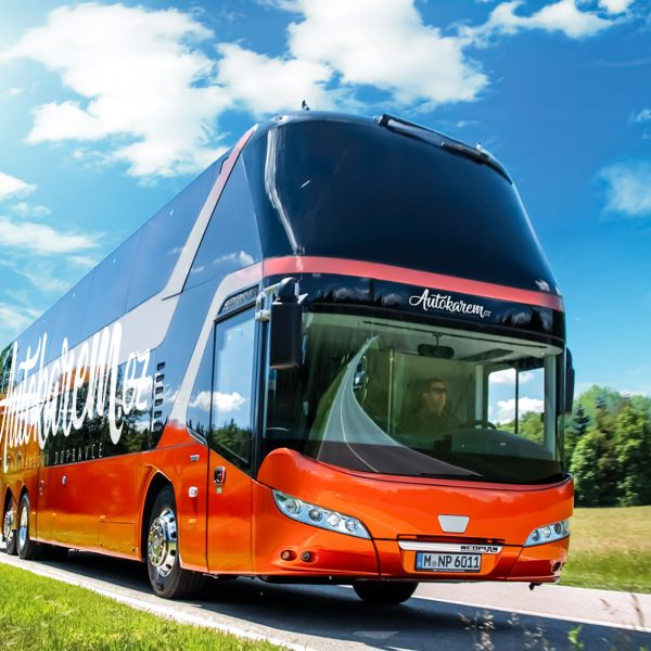 Autokarem P Bus Eot Skyliner 2016 01 1