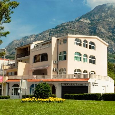 Villa Santro***