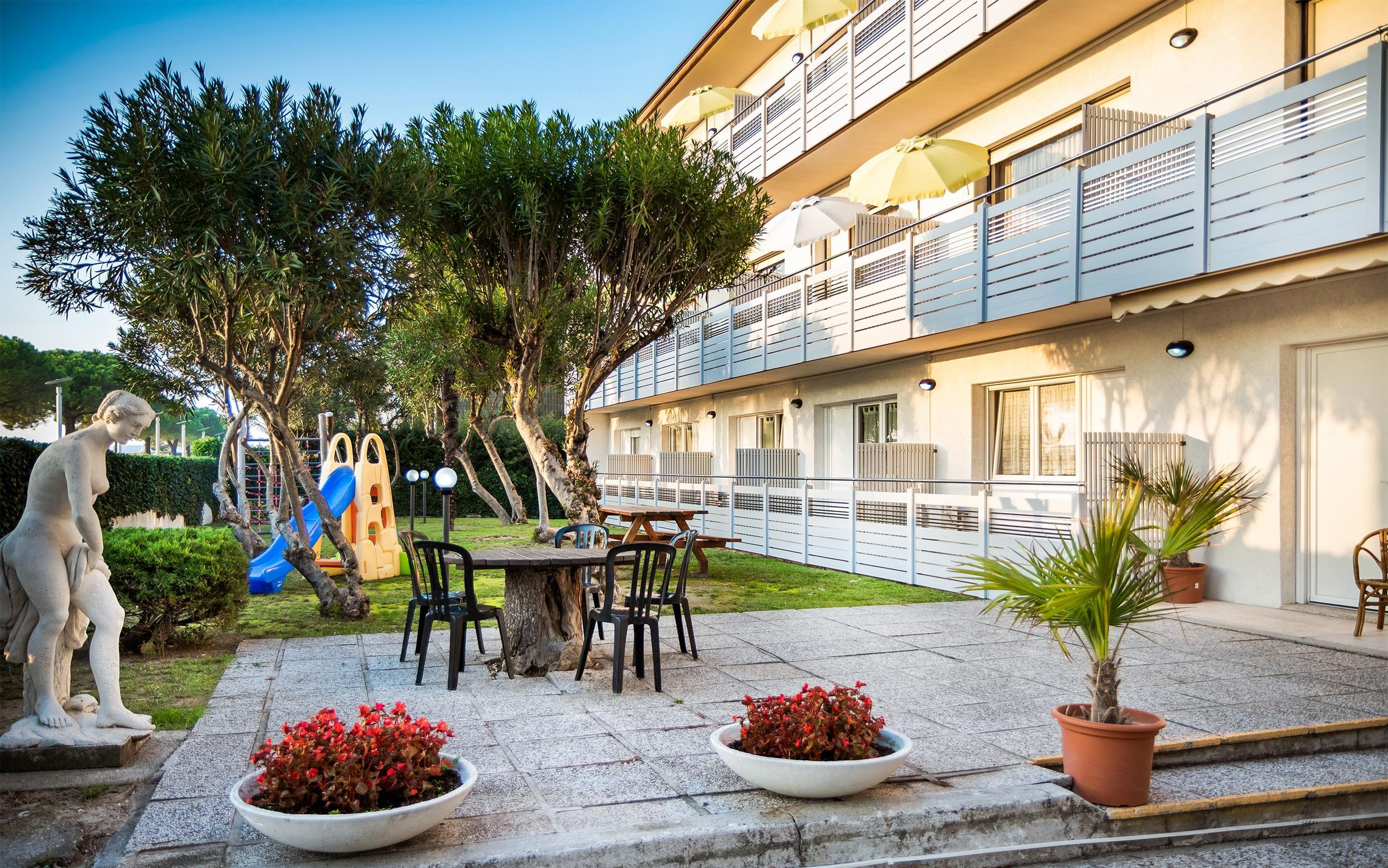 Villa Yachting - týždenné pobyty