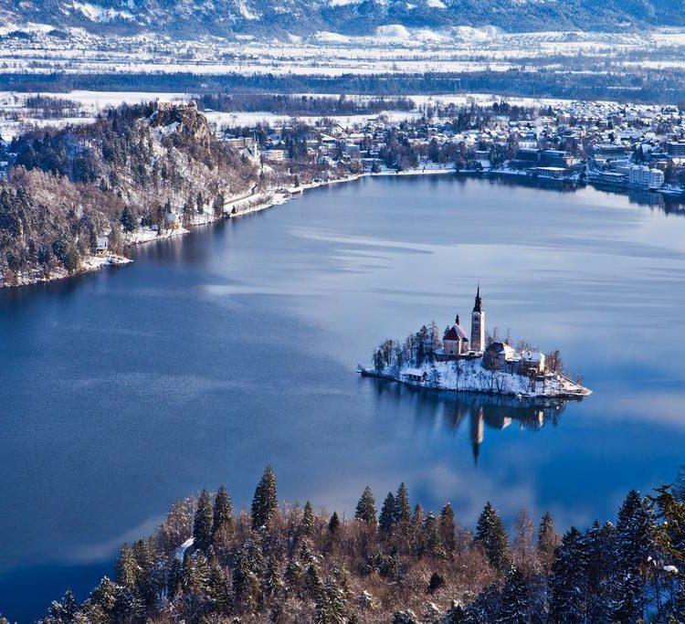 Hotel Jadran - 5denný lyžiarsky balíček s denným prejazdom, wellness a skipas v cene