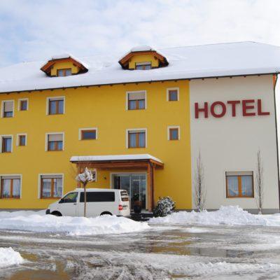 Hotel Bau****